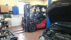 Wózek widłowy montaż LPG