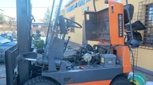 Wózek widłowy montaż instalacji gazowej 1